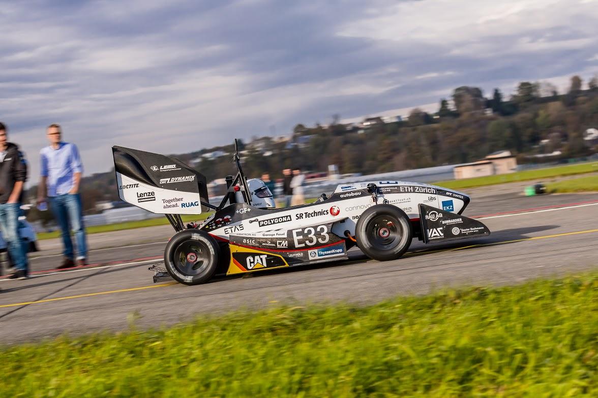 Elektro-Rennauto mit Kabeln von HUBER+SUHNER holt Weltrekord