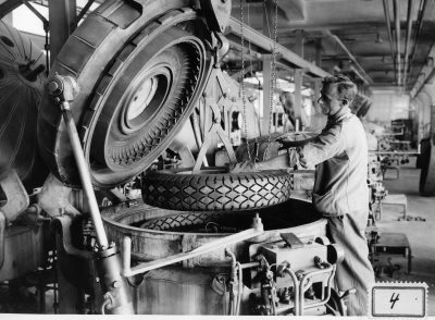 Pallas tyre production, Pfäffikon, Switzerland,  around 1940